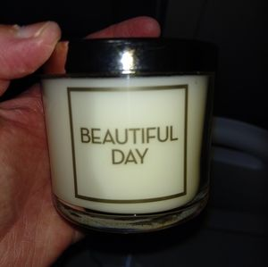 NWT. B&B WORKS SINGLE WICK CANDLE BEAUTIFUL DAY